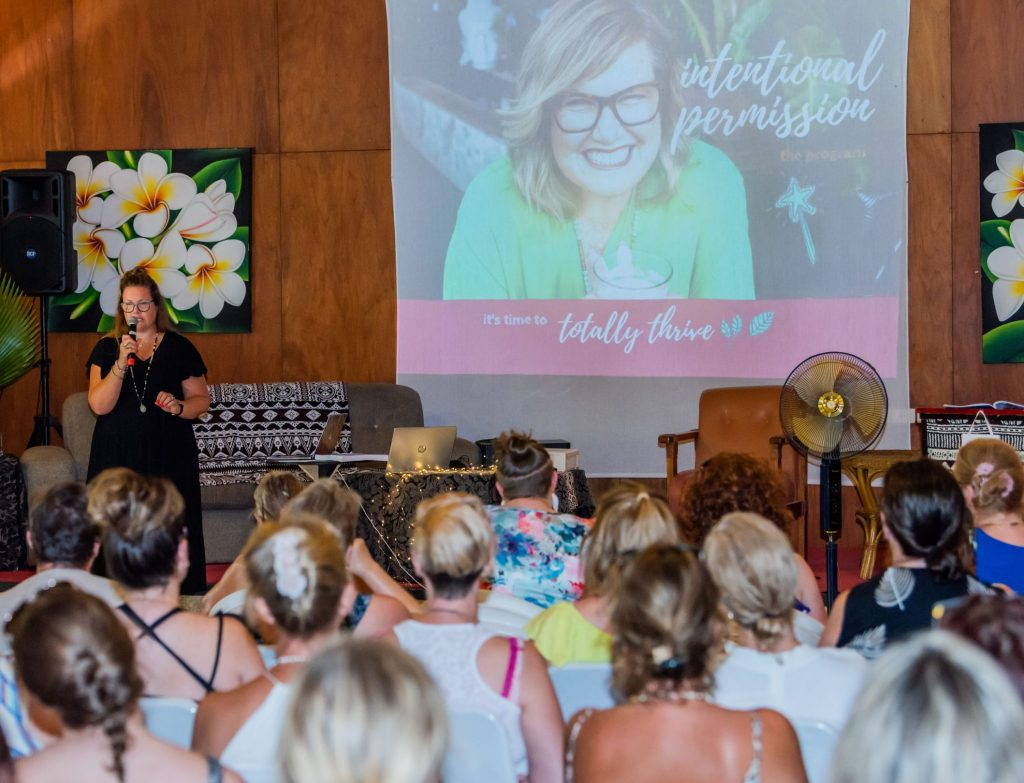 Shannon Dunn   The Thrive Factor Ultimate Girls Week Away Retreat event Fiji February 2020   speaker   business womens events